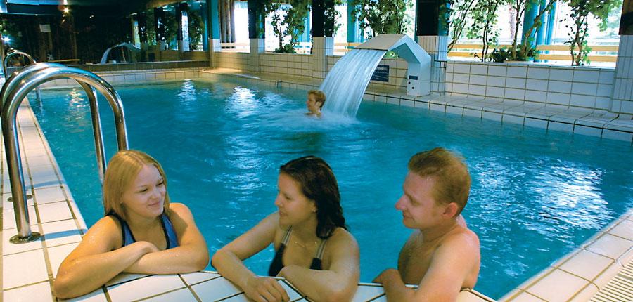 finland_lapland_yllas_Äkäs_alp_apartments_pool.jpg
